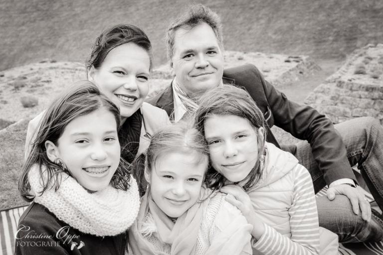 Lebendige Familienfotos in Potsdam von Kinderfotografin