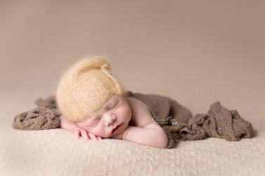 Zeitlose, natürliche Babyfotos, Neugeborenenfotos von Baby Nathanael, 6 Tage jung