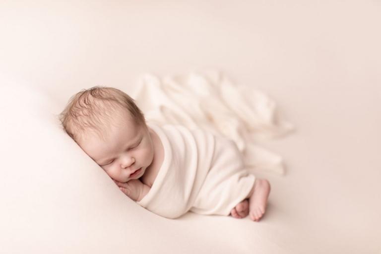 Zarte, liebevolle Neugeborenenfotos und Babyfotos für Berlin und Potsdam
